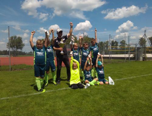 Turniersieg der F2-Jugend des 1. FC Penzberg beim Gummibärchen-Cup des SV Eurasburg Beuerberg